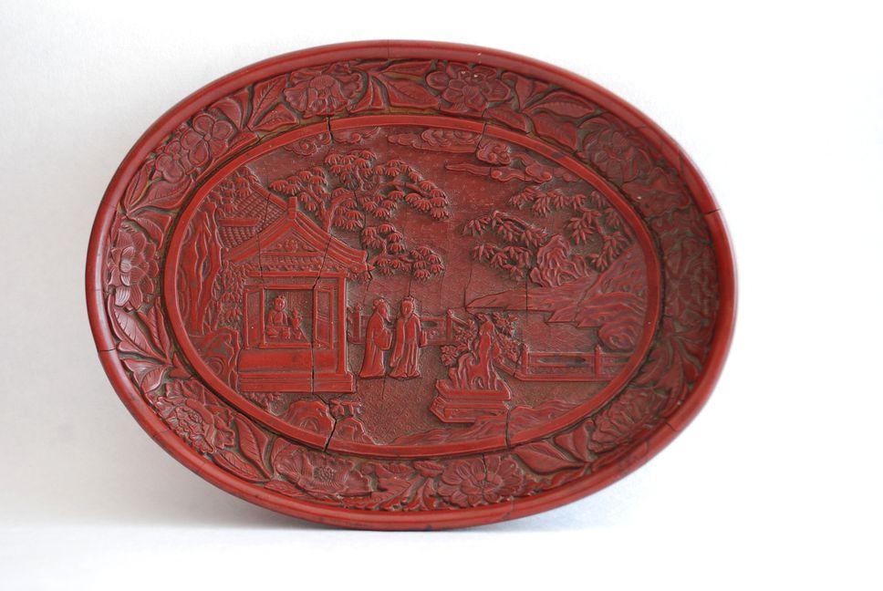 Objet du mois plateau en laque Chine période Ming
